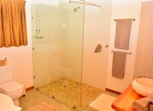 Shower, Cottage, Bushwillow Collection